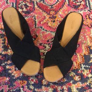 Black wedge sandal size 8.5